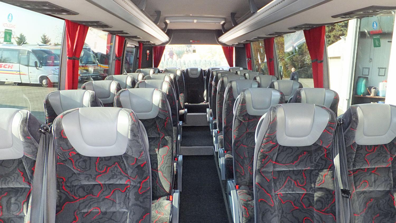 Reisebus, Kühlschrank, 30 Sitzplätze