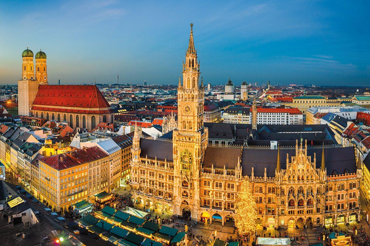 Marienplatz und Weihnachtsmarkt in München