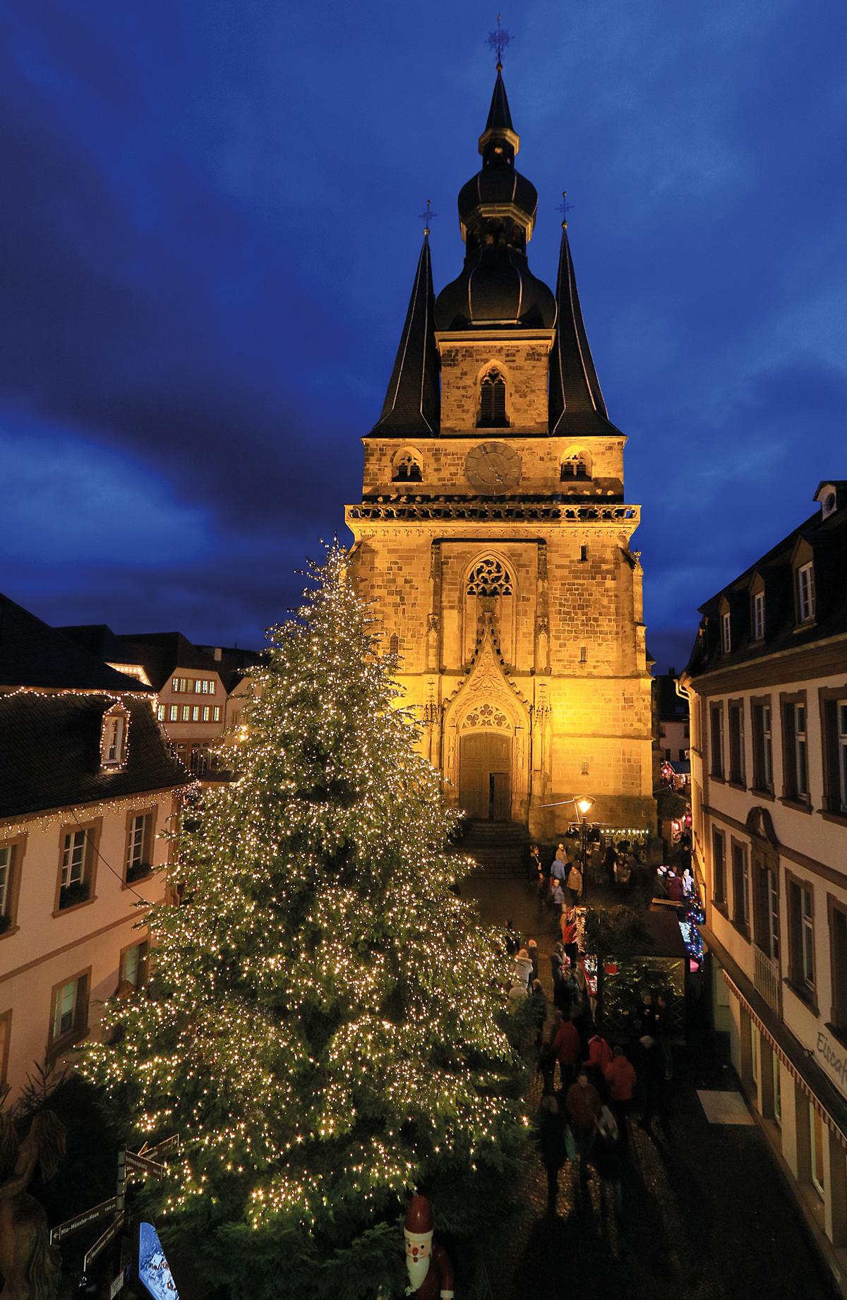Pforzheimer Weihnachtsmarkt.Weihnachtsmarkt St Wendel Wawi In Pirmasens Reisebüro